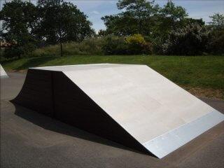 table de saut skatepark de Saint andré des eaux