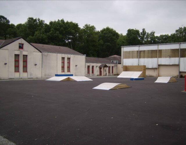 Quarter, plan incliné, tables et trottoir de La Chapelle des Marais (44)